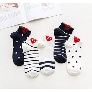 Accessories - Bundle 6 pairs socks( 1 free donut socks)